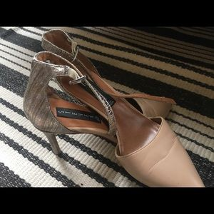 Steve Madden High Heels in nude and silver tones